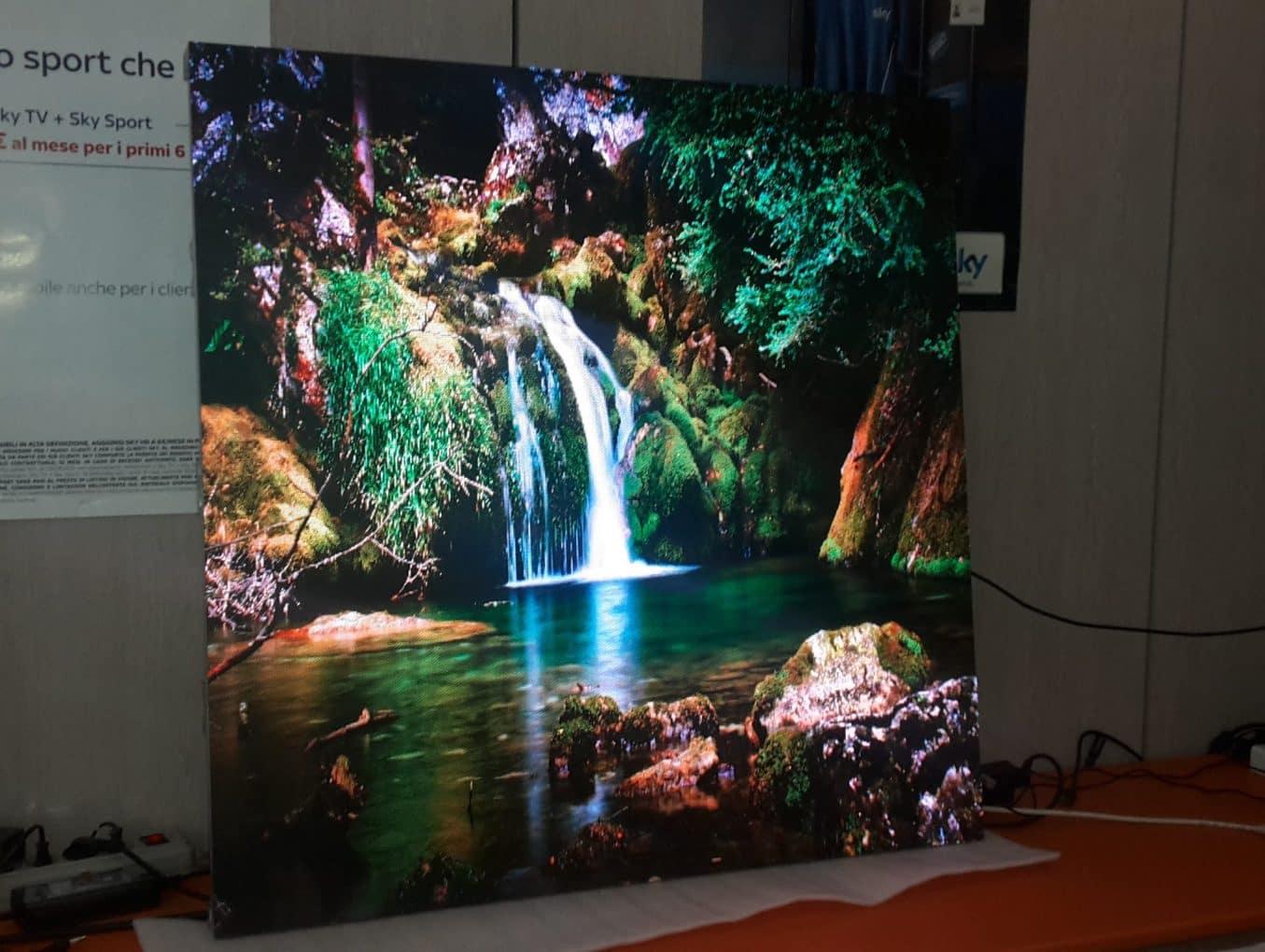 Schermo LED indoor e outdoor: caratteristiche e differenze