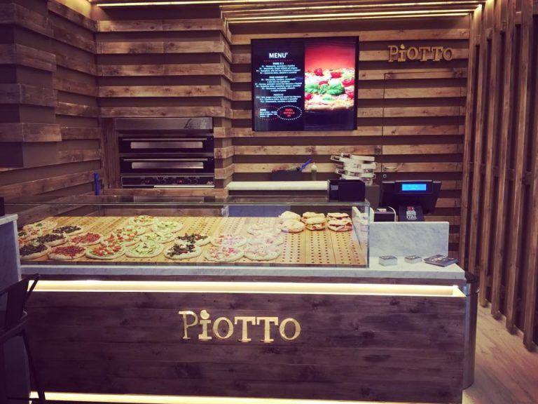 Digital Menu Board per Pizzeria Piotto