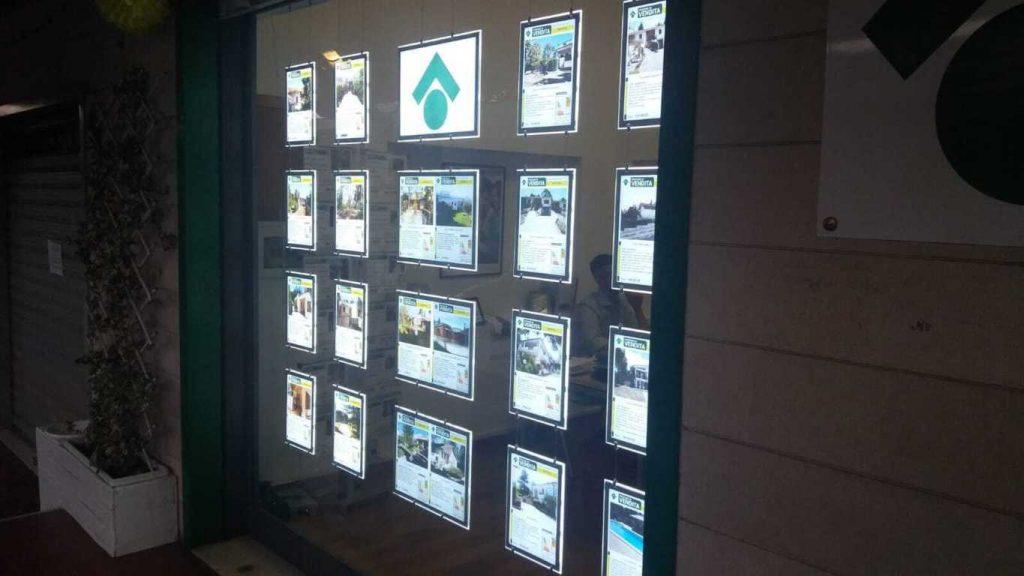 Pannelli LED per agenzie immobiliari
